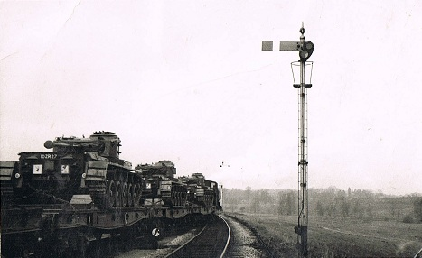 Wilts Yeomanry tanks on their way to Tidworth